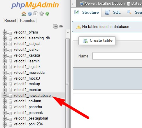 phpMyAdmin select new database
